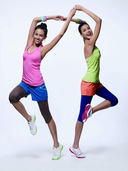 NIKE 2009夏季新款女子训练系列6.jpg