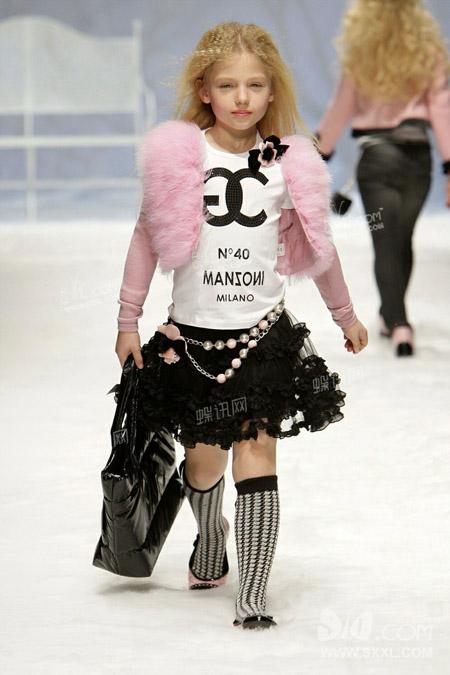 2011-12秋冬女童装流行趋势:红粉房间图片