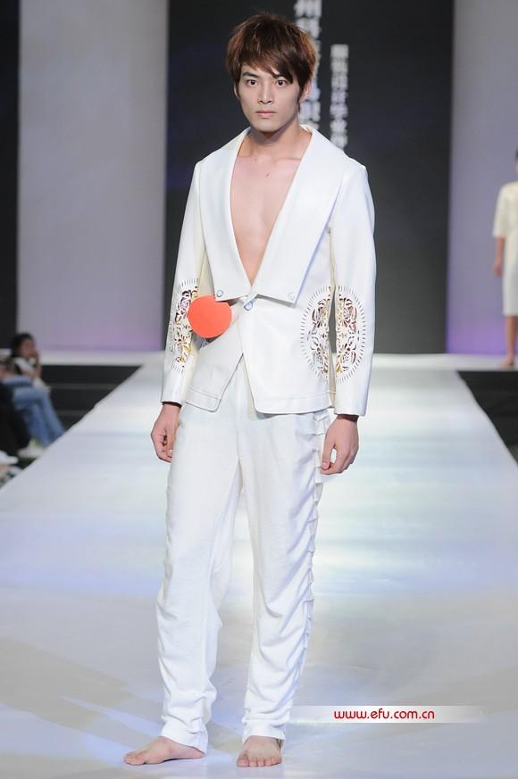 2011广州科技贸易职业学院服装设计毕业作品
