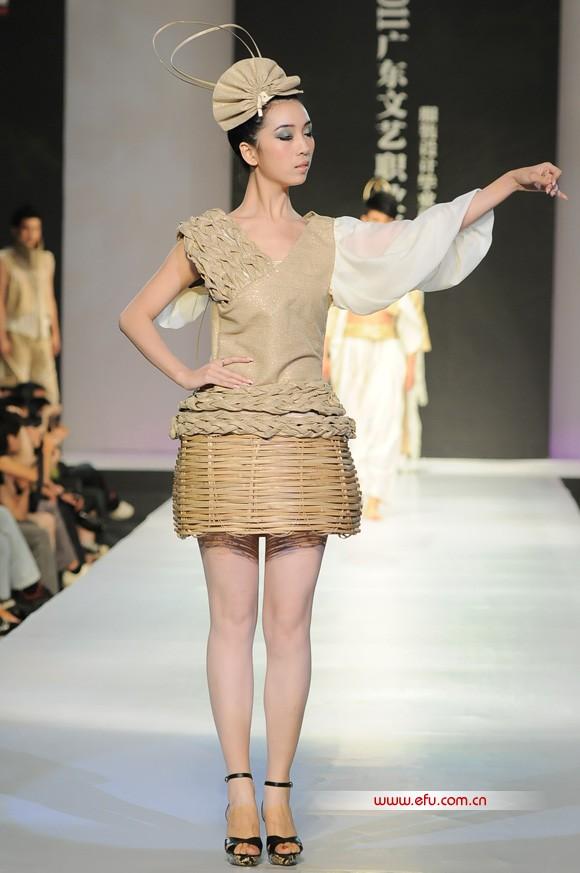 2011广东文艺职业学院服装设计毕业作品展演