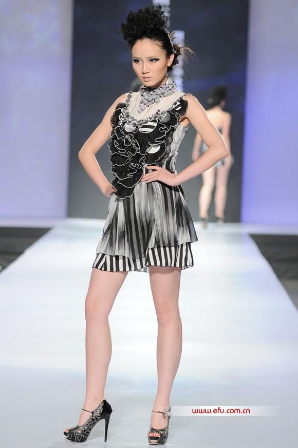 2011广州大学美术与设计学院服装设计毕业作品