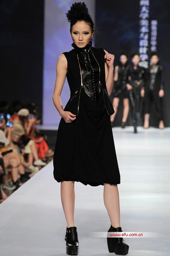 > 2011广州大学美术与设计学院服装.jpg