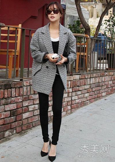 灰色外套搭配图片 穿出成熟大气感3.jpg