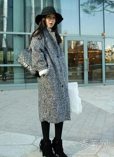 灰色外套搭配图片 穿出成熟大气感5.jpg