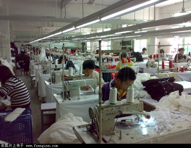 服装厂包装工图片_服装厂车间图片大型服装厂 服装厂流水线 图片