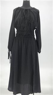 白点黑底连衣裙