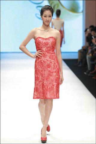 唯美中国红:名瑞.婚纱礼服发布会