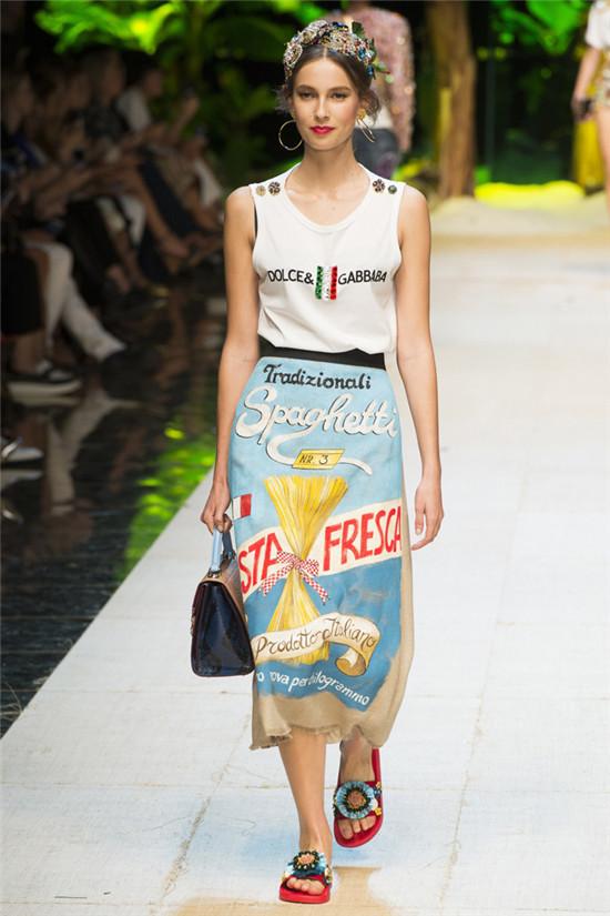 Dolce & Gabbana(杜嘉班纳)2017春夏时装大秀 热情绚烂Tropico Italia