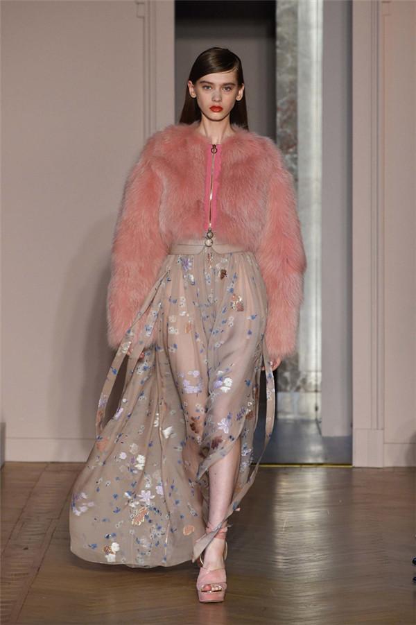Agnona(艾诺逸)2017春于米兰时装周系列
