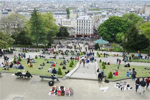 复苏一年的巴黎又生变故 40人中国旅行团被抢奢侈品