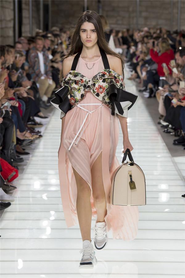 摩登法式贵族 路易威登2018春夏时装秀