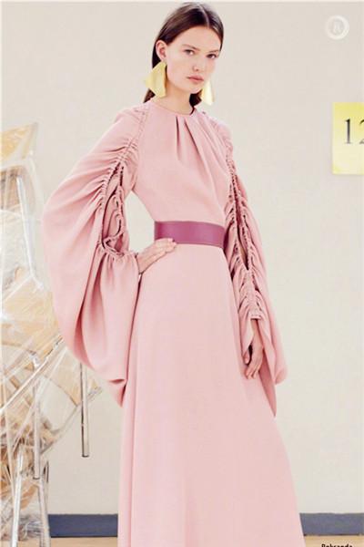 日常度假格调 2018春夏女装流行款式预测