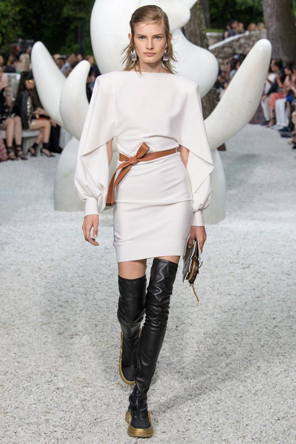 Louis Vuitton2019早春大秀,走进城市部落体验摩登现代感