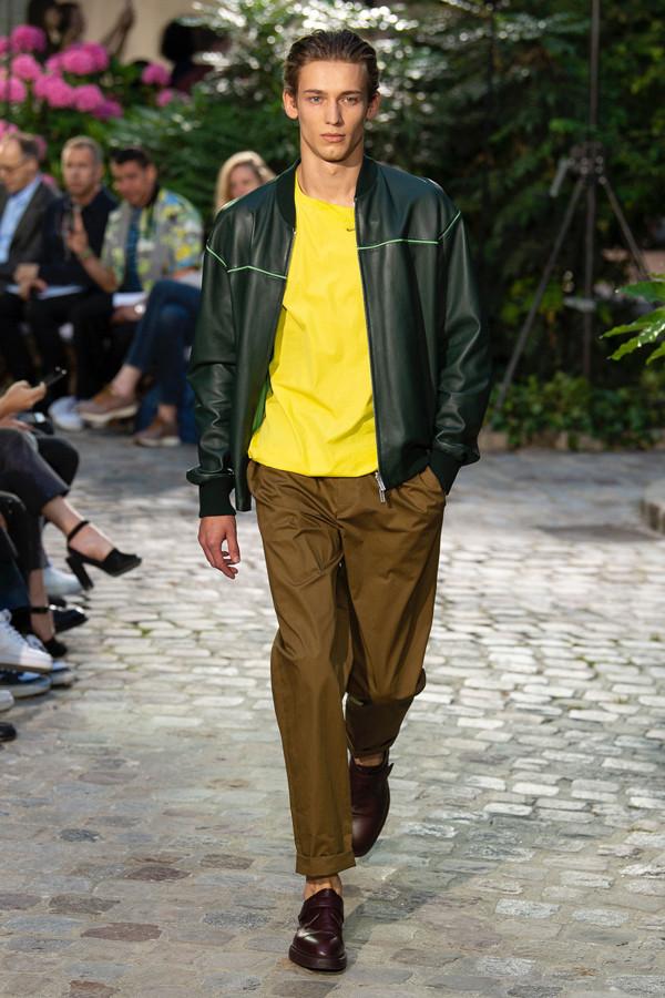 游走在 Hermès 的柔和调色盘中,2019春夏男装秀有哪些看点?