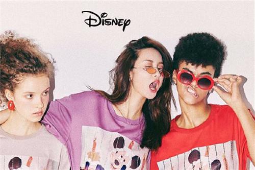 网红张大奕的神奇魔力:迪士尼系列一天销22万件