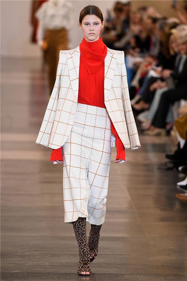 """全世界女人都想要的""""衣櫥"""",Victoria Beckham 2019秋冬倫敦時裝秀"""