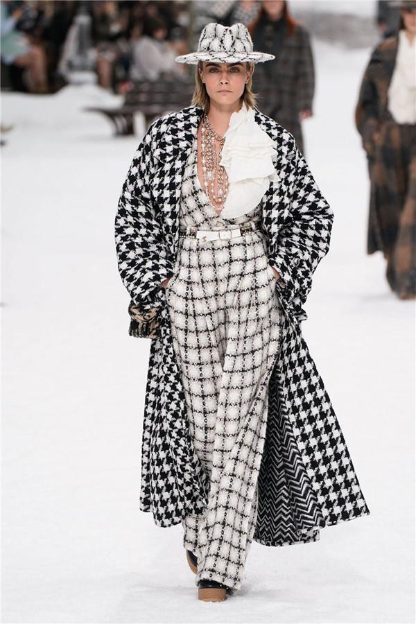 老佛爺最后一季Chanel:新年伊始,為我們下了一場雪