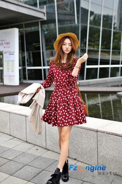 时尚靓丽秋装连衣裙 穿出十足女人味