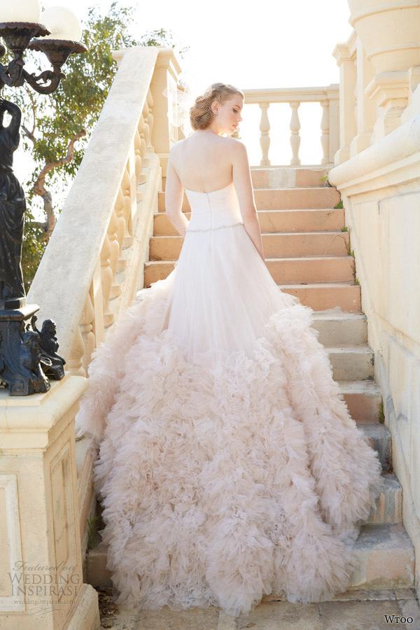 2014最新最时尚婚纱