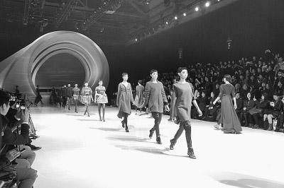 各大奢侈品牌竞相出招 推动时尚产业可持续0.jpg