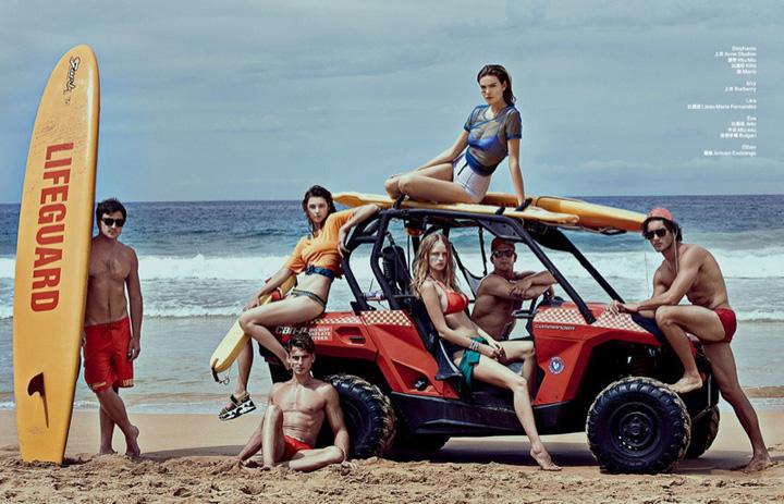 众超模演绎《时尚芭莎》呈现海滩性感时尚大片2.jpg