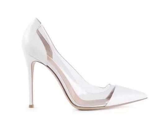 都市衣柜:女人都应该有双性感的高跟鞋0.jpg