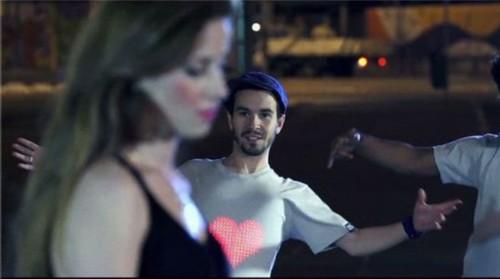 LED服装将大规模面世:能否成为新一波浪潮3.jpg