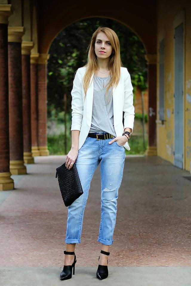 今天穿什么:牛仔裤配高跟鞋 打造唐嫣一样的筷子腿1.jpg
