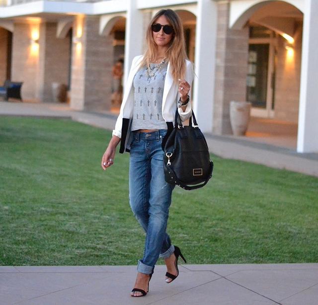今天穿什么:牛仔裤配高跟鞋 打造唐嫣一样的筷子腿5.jpg