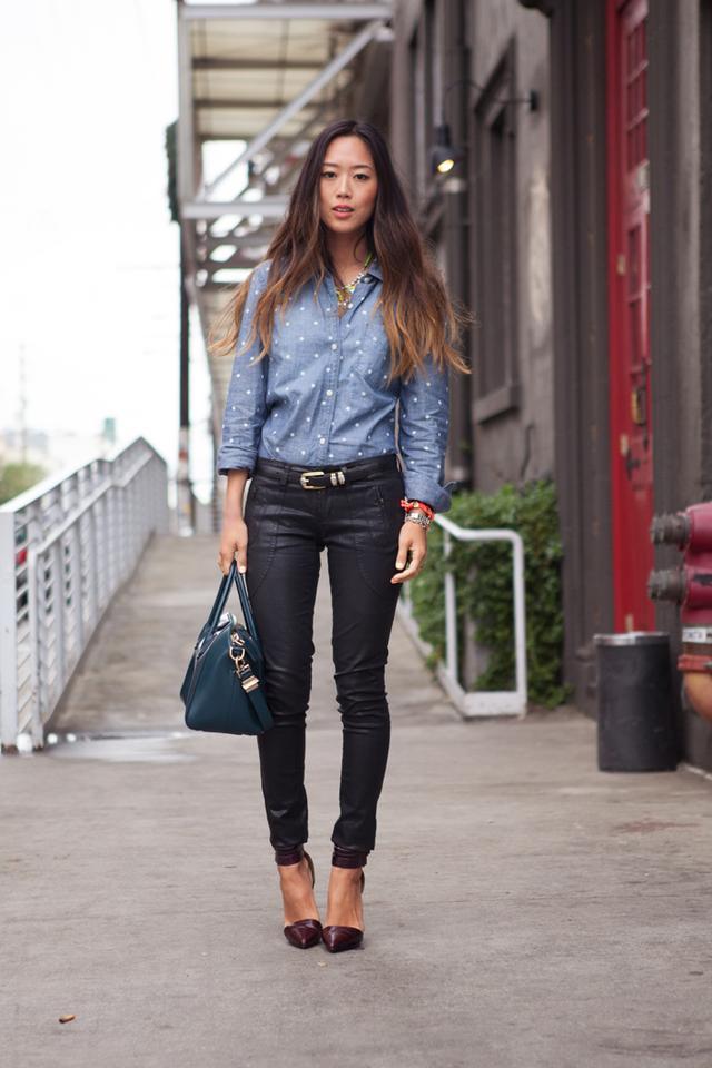 今天穿什么:牛仔裤配高跟鞋 打造唐嫣一样的筷子腿11.jpg