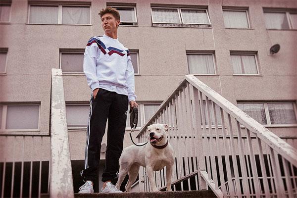 英国潮牌Palace Skateboards声名鹊起的速度很快:一年之内,先后与Reebook携手推出升级版Workout Low运动鞋;与adidas Originals达成两次服饰合作;品牌首个旗舰店与网店建成。