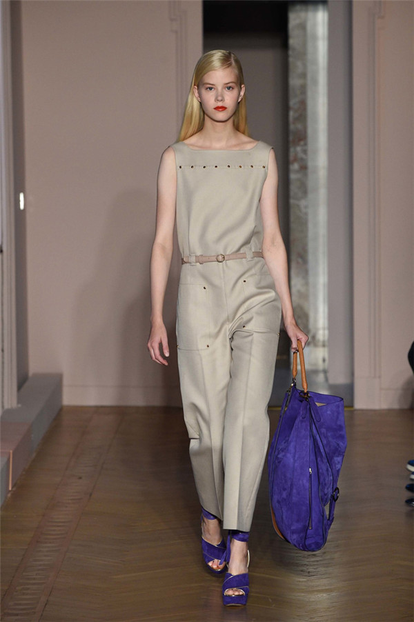Agnona(艾诺逸)2017春于米兰时装周系列10.jpg