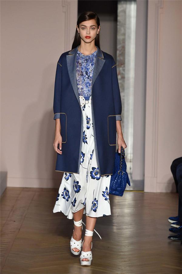 Agnona(艾诺逸)2017春于米兰时装周系列15.jpg