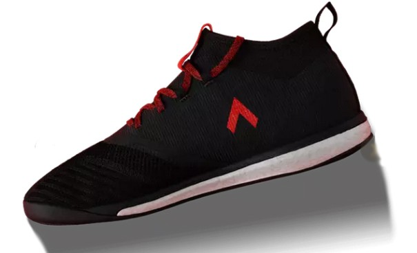 阿迪出了好几款新足球鞋,其中一双还分内靴和外靴2.jpg