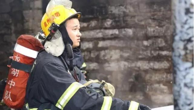 晋江一家纺织厂起火,工厂基本被烧毁【图】2.png