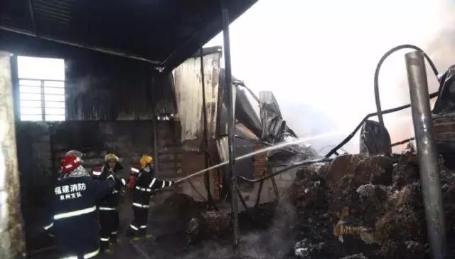 晋江一家纺织厂起火,工厂基本被烧毁【图】4.png