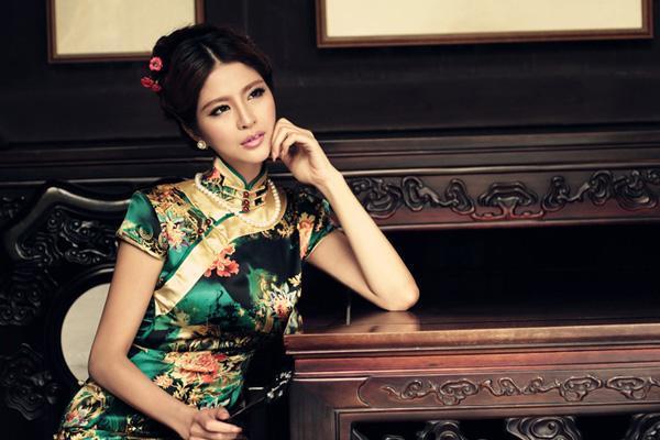 中国民族服装唐装旗袍现今发展的背后0.jpg