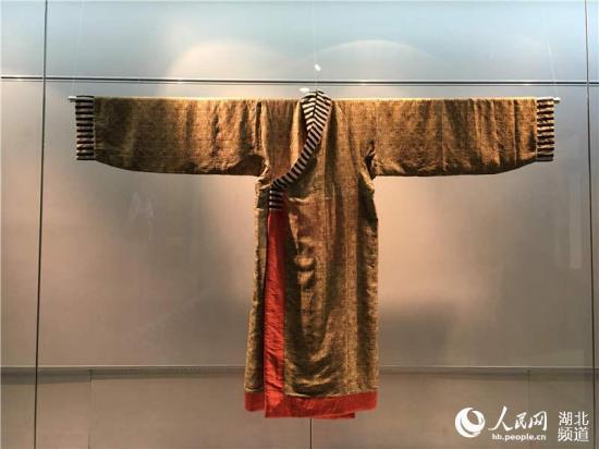 武汉博物馆举办传统服饰展 复原汉唐遗风2.jpg