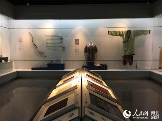 武汉博物馆举办传统服饰展 复原汉唐遗风4.jpg