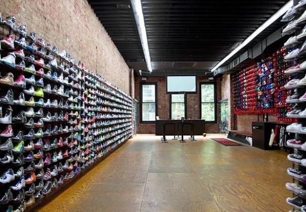球鞋从运动场混进了Gucci和Celine的聚会,这个生意有多吸金?5.jpg