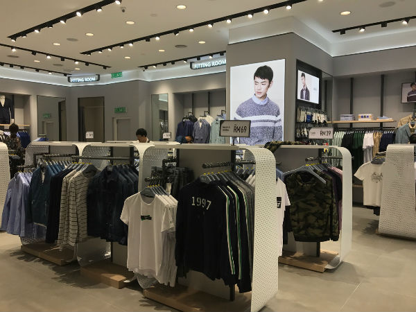 """""""男人衣柜""""的国际野心 马来西亚美女店长看好中国品牌1.jpg"""
