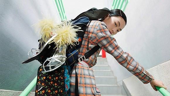 抓紧奢侈品主要战场 Prada在中国首次推出电商0.jpg