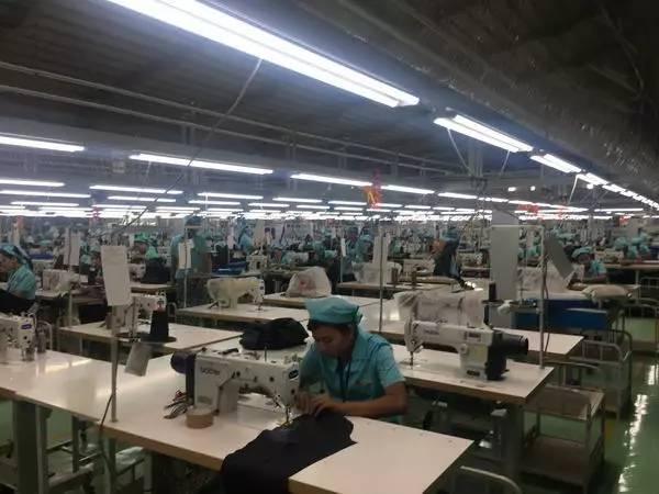 中纺联高勇率纺服企业家代表团访问缅甸1.jpg