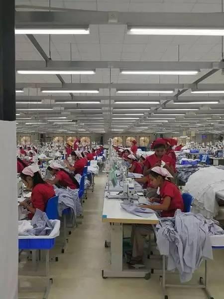 中纺联高勇率纺服企业家代表团访问缅甸3.jpg