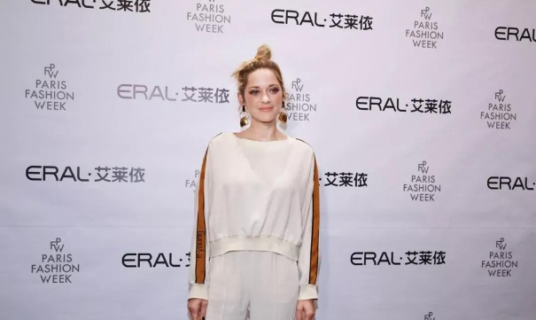 中国本土品牌艾莱依登陆巴黎时装周 这将会是趋势?1.jpg