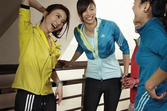 """女性健身潮兴起 运动品牌不再""""独宠""""男人3.jpg"""