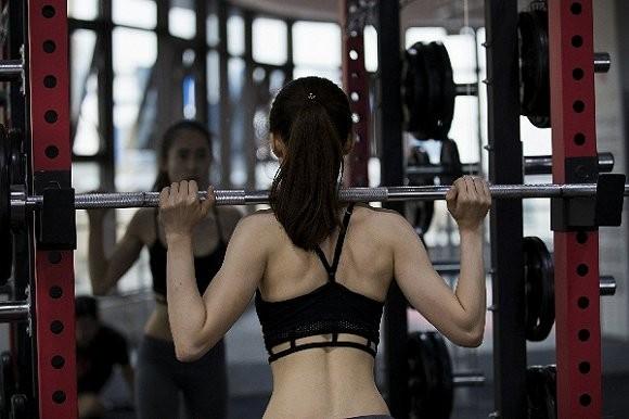 """女性健身潮兴起 运动品牌不再""""独宠""""男人5.jpg"""