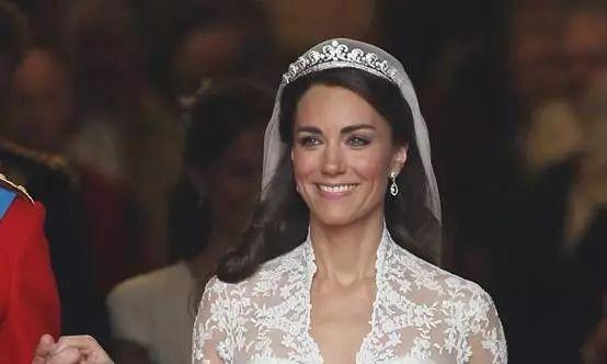 """HM""""复刻""""凯特王妃经典款婚纱 寻求新的利润增长点0.jpg"""