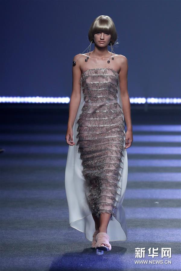 马德里时装周——设计师杜约斯时装秀1.jpg