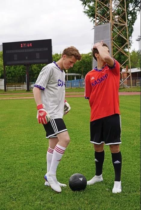 比起足球,俄罗斯的时装更加精彩!2.jpg